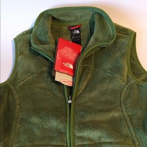 NWT Green North Face Vest